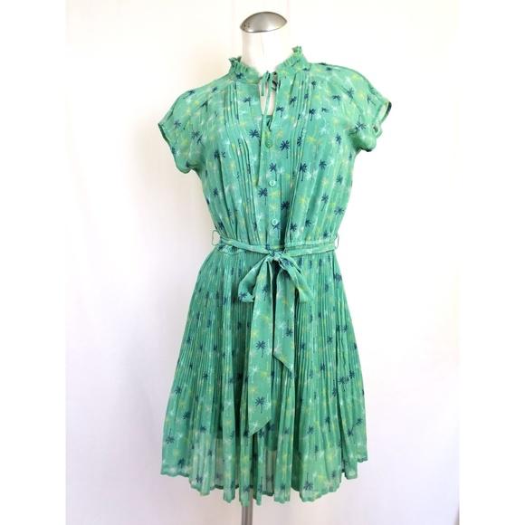LC Lauren Conrad Dresses & Skirts - Lauren Conrad Size 8 Green Belted Dress Palm Trees